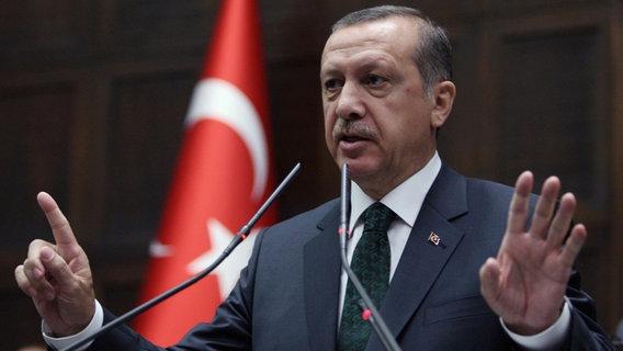 Der türkische Ministerpräsident Recep Tayyip Erdogan im Parlament in Ankara. © picture alliance/AP Images