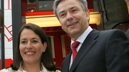 "29.05.2006: Anne Will und Klaus Wowereit sind ""United for Africa"" © picture alliance Fotograf: XAMAX"