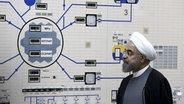 Irans Präsident Hassan Rohani besucht das Atomkraftwerk Bushehr. © picture alliance/dpa Foto: Mohammad Berno
