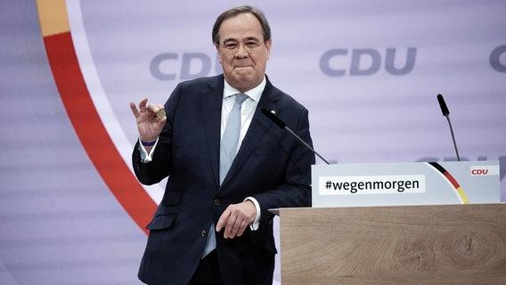 NRW-Ministerpräsident Armin Laschet während seiner Bewerbungsrede für den CDU-Vorsitz. (Bild: dpa | Michael Kappeler) © dpa/Michael Kappeler Foto: Michael Kappeler