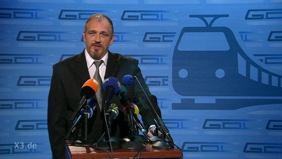 Torsten Sträter als Vertreter der GDL.