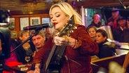 Elle King live bei Inas Nacht im Schellfischposten. © NDR/Morris Mac Matzen