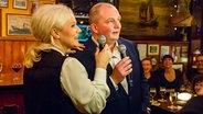 Jörg Thadeusz singt bei Inas Nacht mit Ina Müller ein Duett. © Morris Mac Matzen