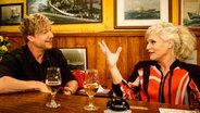 Samu Haber bei Inas Nacht mit Ina Müller im Schellfischposten. © NDR/Morris Mac Matzen Fotograf: Morris Mac Matzen