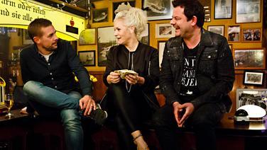 Klaas Heufer-Umlauf (links) und Ingo Appelt bei Inas Nacht mit Ina Müller im Schellfischposten. © NDR/Morris Mac Matzen