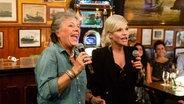 Margie Kinsky bei Inas Nacht mit Ina Müller im Schellfischposten. © NDR/Morris Mac Matzen