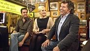 Bastian Pastewka, Ina Müller und Andy Borg beim Tresentalk im Hamburger Schellfischposten. © NDR / Morris Mac Matzen Fotograf: Morris Mac Matzen