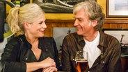 """Ina Müller beim Talk mit Walter Sittler im """"Schellfischposten"""". © NDR Fotograf: Morris Mac Matzen"""