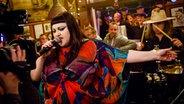 Beth Ditto live bei Inas Nacht. © NDR/Morris Mac Matzen