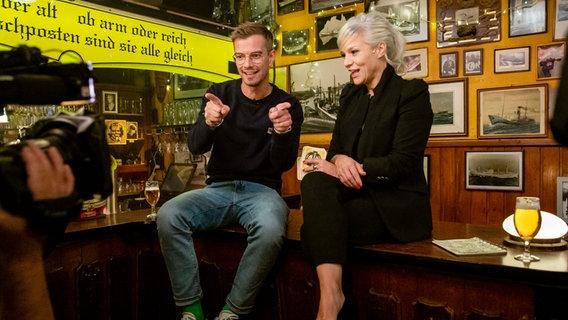 Yoko Winterscheidt und Ina Müller