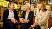 Olli Schulz und Heike Makatsch im Gespräch mit Ina Müller. © NDR/Morris Mac Matzen Fotograf: Morris MacMatzen