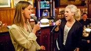 Heike Makatsch singt bei Inas Nacht mit Ina Müller. © NDR/Morris Mac Matzen Fotograf: Morris MacMatzen