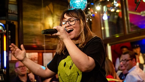 Die Sängerin der Band Großstadtgeflüster Jennifer Bender