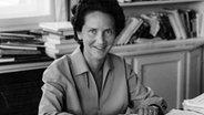 Marion Gräfin Dönhoff als Leiterin des Politikressorts bei der ZEIT, 1960er Jahre. © NDR/Marion Dönhoff Stiftung
