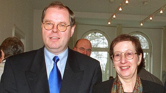 Peer Steinbrück und Heide Simonis, beide SPD (1998). © dpa Foto: Horst Pfeiffer