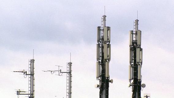 5G-Mobilfunkmasten © NDR/ARD Foto: Screenshot