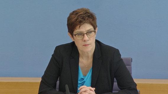 Annegret Kramp-Karrenbauer (CDU), Verteidigungsministerin © NDR