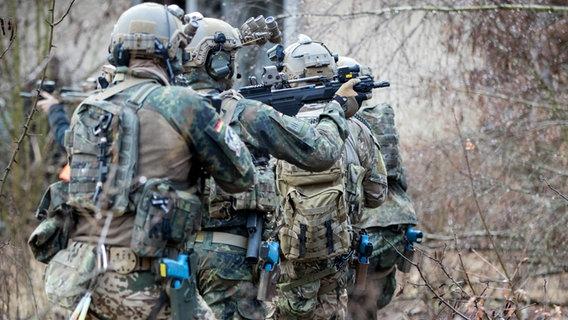 Bundeswehrsoldaten der Eliteeinheit Kommando Spezialkräfte (KSK) © picture alliance/Kay Nietfeld/dpa Foto: Kay Nietfeld