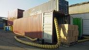 Schadstoffbelasteter Container © NDR