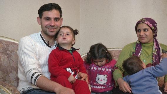 Ekram und seine Familie warten seit Monaten in Mersin auf die Flucht.