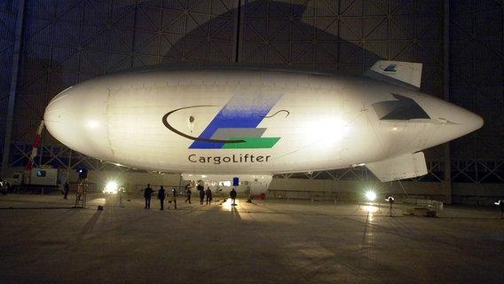 Test-Luftschiff der Firma CargoLifter AG © ZB-Fotoreport Foto: Ralf_Hirschberger
