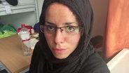 Alena Jabarine als Zeyna Mahameed  in der Zentralen Erstaufnahmestelle in Hamburg-Harburg