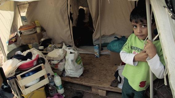 Kind in dem Flüchtlingslager in Kara Tepe © ARD/NDR Foto: Screenshot