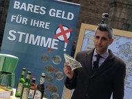 Michel Abdollahi kauft in Bremen die Stimmen von Nichtwählern.
