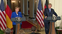 Angela Merkel (l.) und Donald Trump © NDR Fotograf: Screenshot