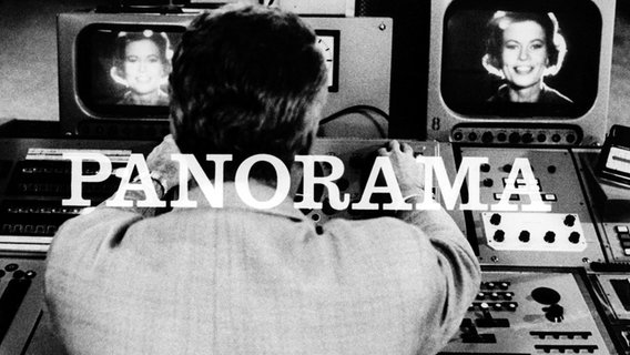 Panorama 60 Jahre: Ein Mann sitzt vor Bildschirmen, dazu der Schriftzug Panorama © NDR/ARD Foto: Screenshot