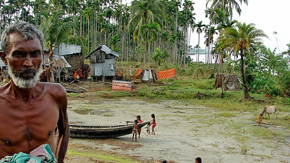 Älterer Dorfbewohner in Bangladesch. © NDR