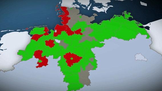 In den rot eingefärbten Landkreisen werden die Fundamente von Windenergieanlagen nicht vollständig aus dem Boden entfernt, in den grün eingefärbten verbleiben keine Fundamentreste im Boden, die grau eingefärbten haben unsere Fragen nicht klar beantwortet © NDR Foto: Screenshot