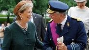 Königin Paola und König Albert II. von Belgien nach dem Gottesdienst anlässlich des belgischen Nationalfeiertags am 21. Juli 2012. © dpa Fotograf: Thierry Roge